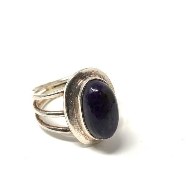 Sugalite Ring in Sterling Silver M 'BLUEBERRY MIST'